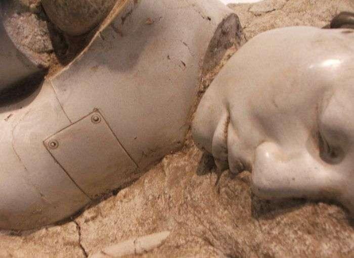 duringexcavations2 - Fósil Robot en Belusia con mas de 2000 años