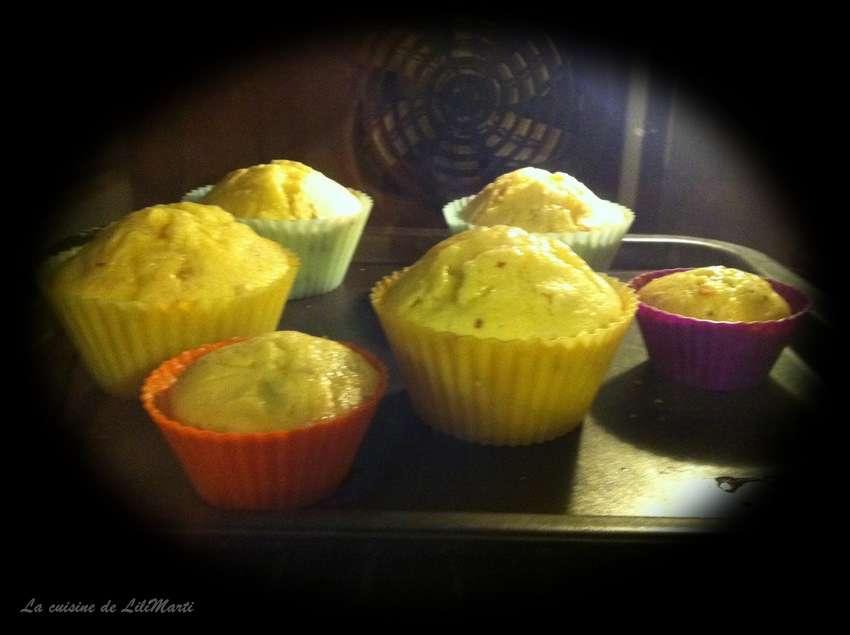 muffins l 39 aloe vera et aux noix la cuisine de lilimarti. Black Bedroom Furniture Sets. Home Design Ideas